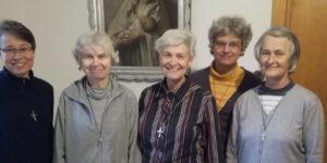 Setkání prvních sester na Lomci