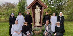 Interjuniorátní setkání sester